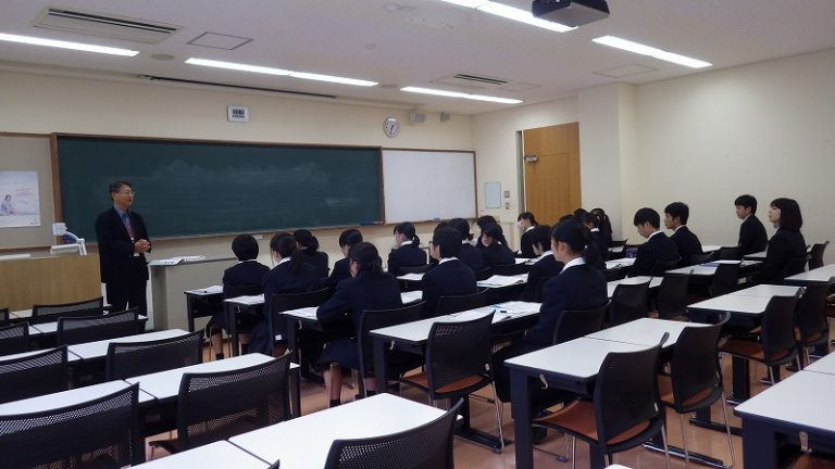 横手城南高校(介護福祉学科)