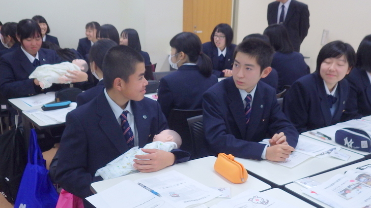 平成高校の皆さんの見学がありました